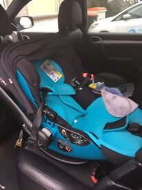 Kiddie lay flat i-size car seat with isofix stand