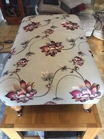 *** BEAUTIFUL GREY FLORAL EMBROIDERD SILK FLOWER PRINT UPHOLSTERED XX LARGE FOOTSTOOL MUST L@@K WOW