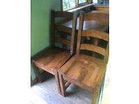 4 wooden dining chairs £10 each