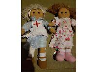 2 rag dolls