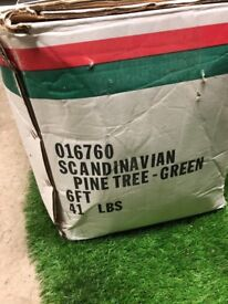 Artificial Christmas Tree - 6ft Scandinavian Pine - green in excellent condition
