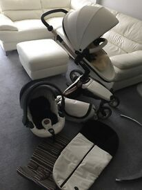Used but very good condition lovely Mima Xari pushchair 3in 1 for very good price.