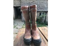 Size 12 Hunter Balmoral Hawksworth brown boots