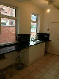 5 Double bedrooms House to rent in Wheatley Doncaster DN2 4DD