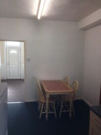 Spacious 2 bed terrace house Hillsborough, Sheffield S6 close to M1 transport links and city centre