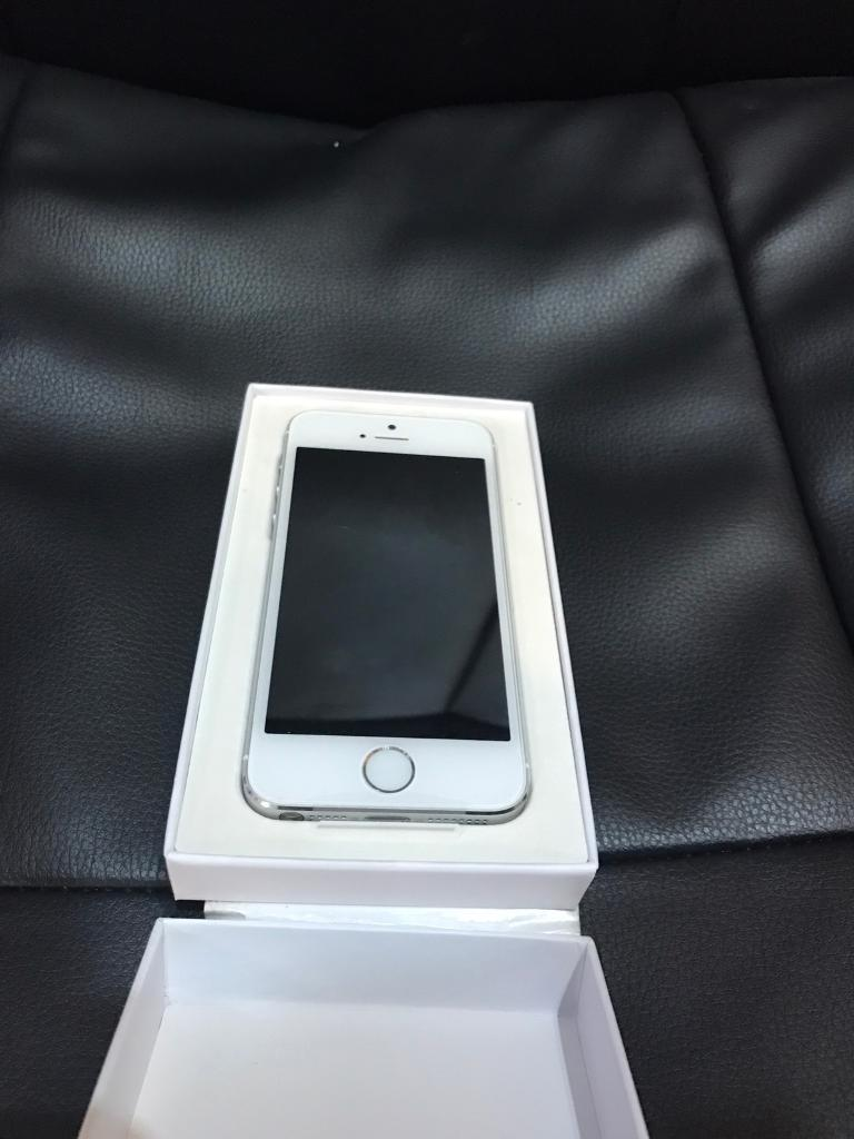 Apple iPhone 5S Silver 16GBBRAND NEWUNLOCKEDin Stoke on Trent, StaffordshireGumtree - Hi i am selling a brand new apple replacement iPhone 5S Silver on any network. The iPhone comes with usb cable and plug only. I am looking for £160 thanks. The iPhone has apple waranty till 29/03/2018