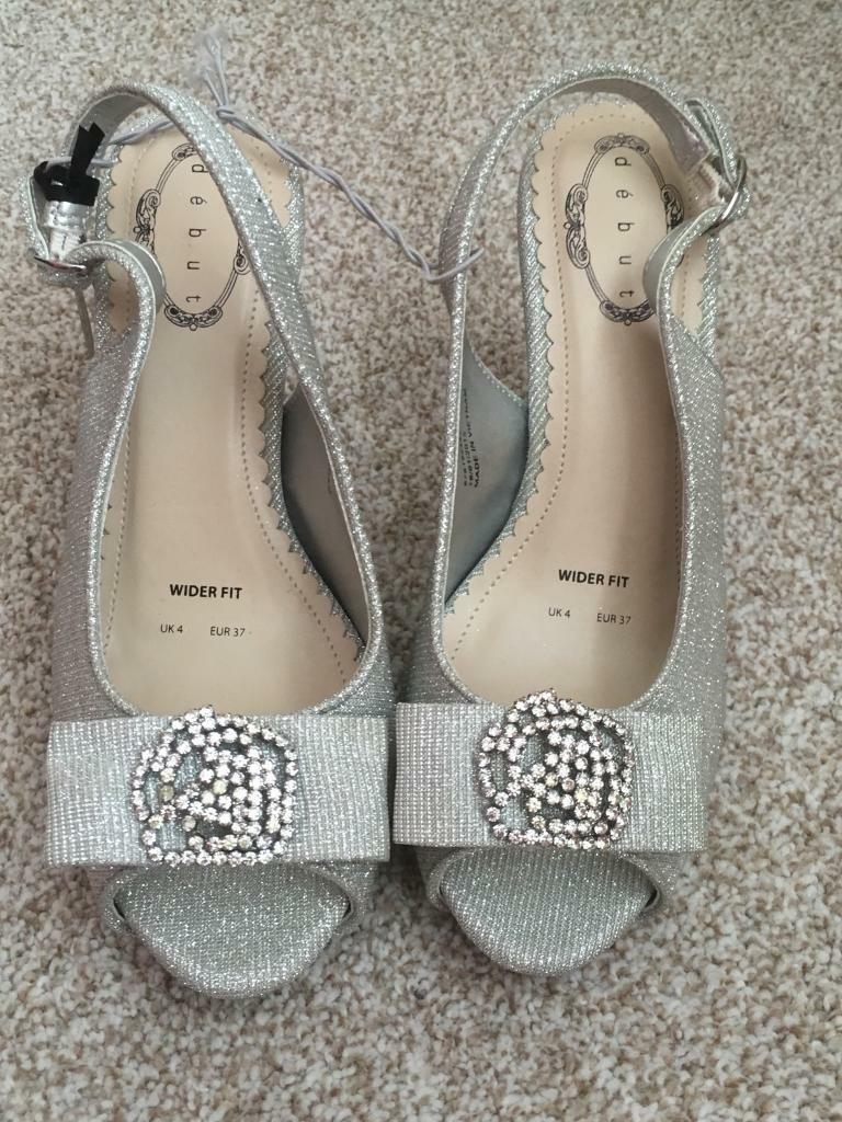 84049f6455d Debut silver sparkly sandals size 4