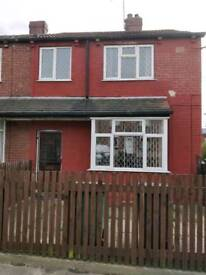 3 Bedroom house to let, front and back garden, lots of storage, £550 PCM - No housing benefits