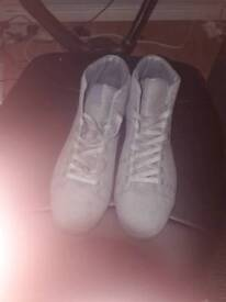 River island trainers