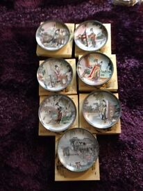 7 beautiful China wall plates in presentation box with authentication paperwork, mint condition