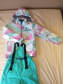 Girls Surfanic ski out fit 152cm Jacket and Pants