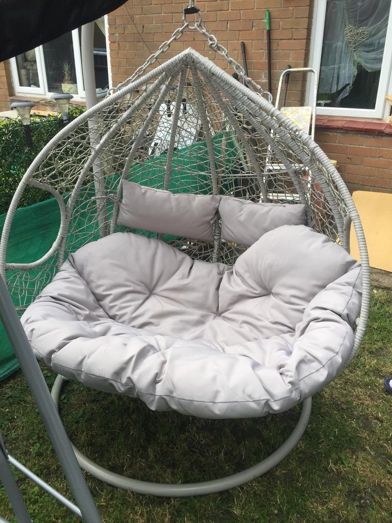 Swinging garden chair cardiff