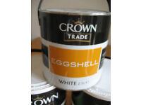 2.5Ltr Crown Trade EGGSHELL FINISH White (oil/solvent borne)