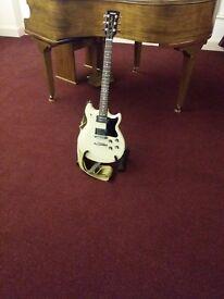 Yamaha electric guitar, SF500 Super Flighter, white.