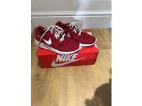 Nike Roshe Run Trainers Size UK 3