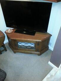 Jaycee Solid Oak Hand Carved Corner TV Cabinet