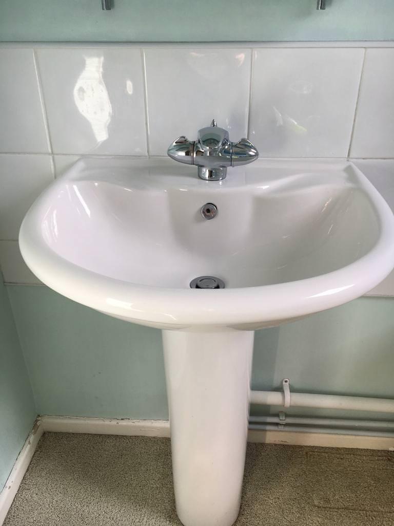 Bathroom sink, toilet, bath & modern taps | in Caerphilly | Gumtree