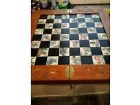 Old box style chess board
