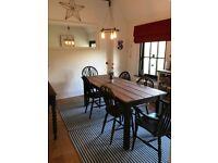 Gorgeous wooden kitchen/ dining table & 4 painted chairs