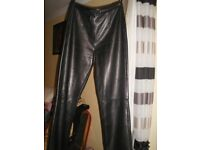 LADIES BLACK REAL LEATHER TROUSERS. SIZE 12 AS NEW