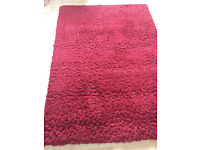 Red rug 120cm x 170cm, very good condition