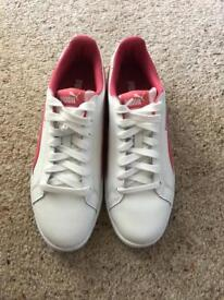 Women leather trainers puma size 6 new