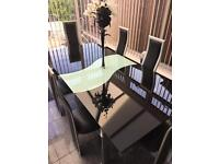 Dining Room Table & 6 Chairs (Extendable)
