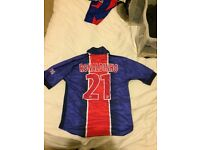 *Authentic* rare Ronaldinho 21 PSG Shirt in excellent condition