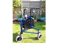 3 wheeled walker / rollator