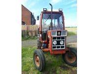 International tractor 585 XL