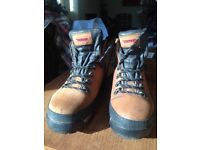 Hiking boots, size 7.5 / REDUCED