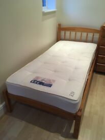 Comfortable single Bed - Excellent condition