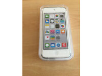 APPLE IPOD TOUCH 16GB 5TH GEN FULL HD DISPLAY 5MP BRAND NEW AND SEALED IN CENTRAL LONDON BARGAIN