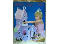 Le Toy Van Wooden Fairy Tale 'Once Upon a Time Castle' Unused (Figures not included/Boxed).