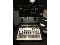 Korg Volca Bundle (Kick, FM, Sample - All New) and 3 Tier Stand *Excellent Condition*
