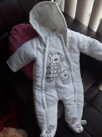 Snow suit