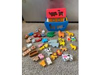 Wooden Noah's ark with more accessories