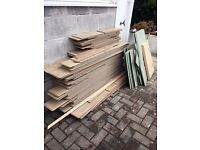 Around 25m2 of used oak laminate wood flooring. Easy to install and comes with underlay