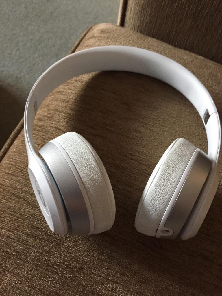 Beats solo 2 (genuine)