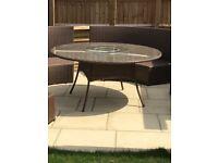 Rattan table only 150 Cm diameter New