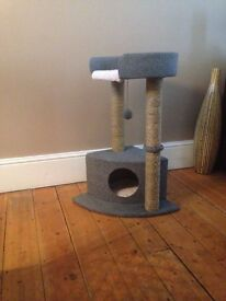 Catbed with scratchpost