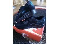 Nike Air Max 90 - black and blue