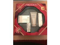 Shiseido Bioperformance Revitalising Kit - comes in a magnetic box (one cream used once)