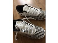 Under armour football trainers size 13.5