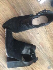 Carvela kurt Geiger boots size 5