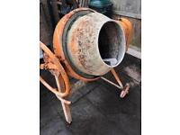 Electric cement mixer 240v mains