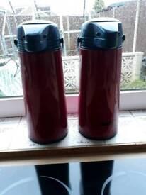 Picnick Pump Pots x 2