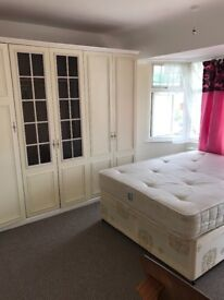 Colindale double room to rent