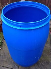 Water butt/plastic barrel/storage shipping container 150litre