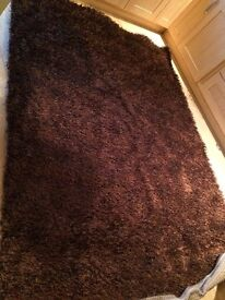 BRAND NEW SHAGGY RUG FOR SALE BEAUTIFUL